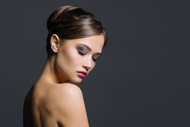 Portrait glamour de belle femme Photo Premium