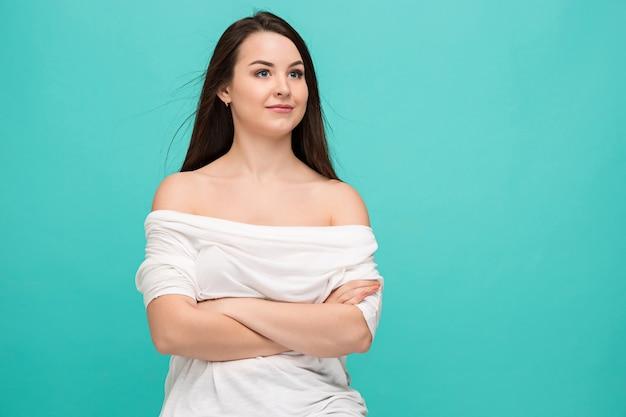 Portrait De Jeune Femme Avec Des émotions Heureuses Photo gratuit