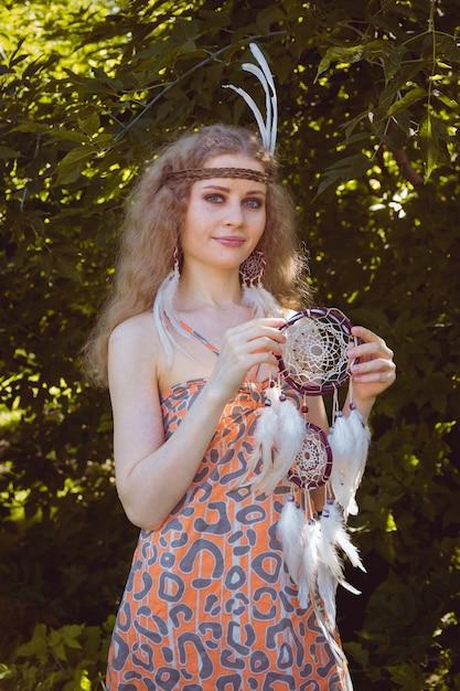 Portrait de jeune fille avec dreamctahcer Photo Premium