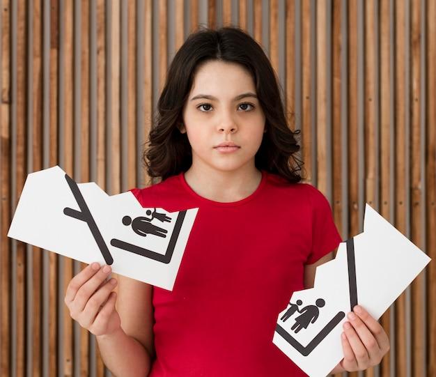 Portrait De Jeune Fille Triste Pour Le Divorce Des Parents Photo gratuit