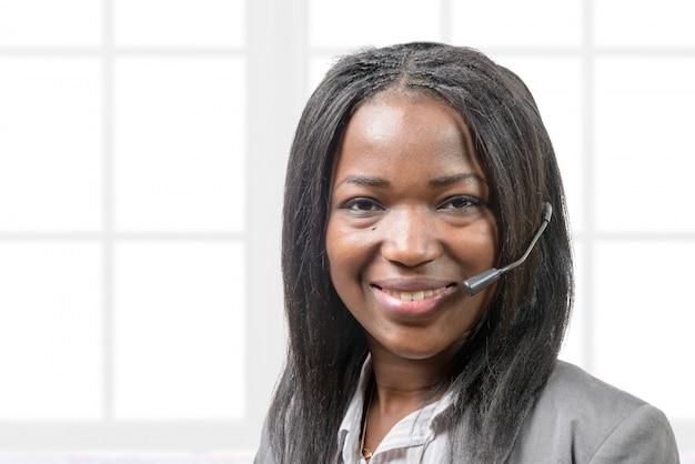 Portrait d'un opérateur souriant Photo Premium
