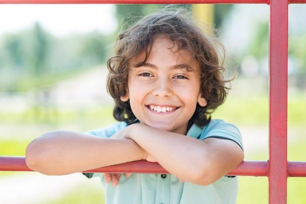 Portrait, Smiley, Jeune Garçon Photo gratuit