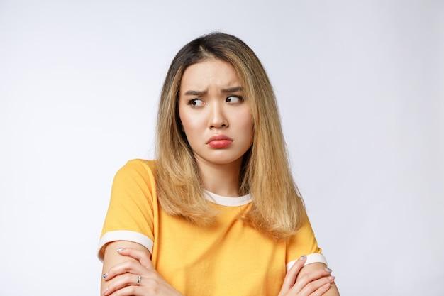 Portrait, triste, pleurer, songeur, fou, femme asiatique Photo Premium