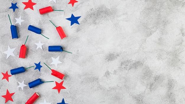 Pose à plat des accessoires de la fête de l'indépendance américaine Photo gratuit