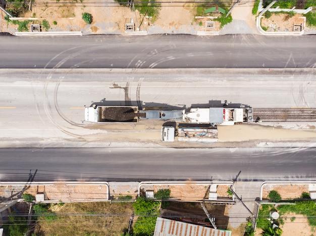 Poste d'opérateur de broyage d'asphalte Photo Premium