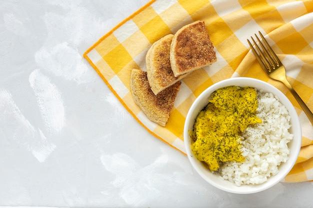 Poulet Maison Au Curry Et Riz Basmati Photo Premium