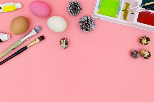 Préparation Pour Pâques Sur Fond Rose En Lay Plat Photo Premium