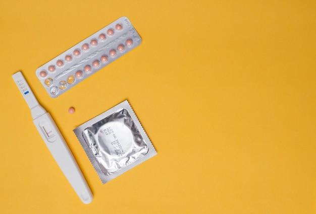 Préservatif, safe sex, pilule contraceptive, contraceptif Photo Premium