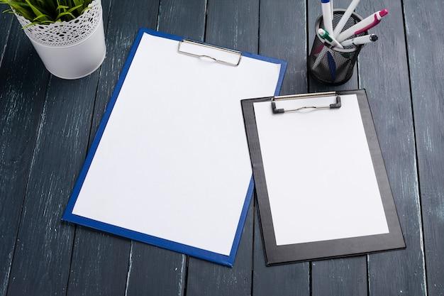 Presse-papiers sur bois Photo Premium