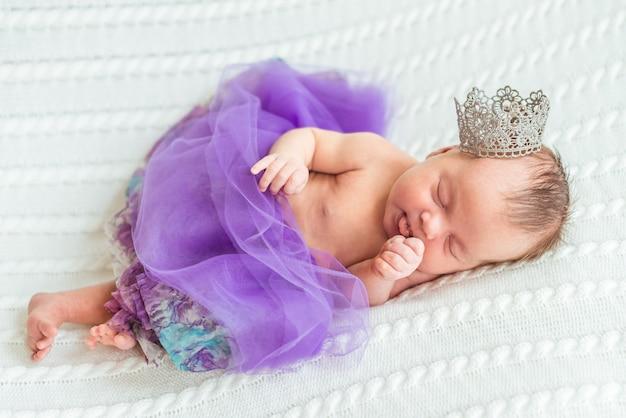 Princesse Bébé Fille Nouveau-né Photo Premium