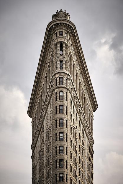 Prise De Vue Fascinante Du Bâtiment Flatiron à Madison Square Park Photo gratuit
