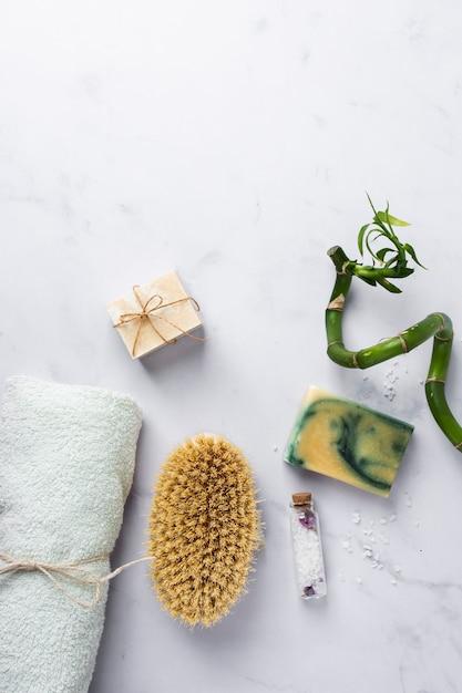 Produits cosmétiques vue de dessus spa Photo gratuit
