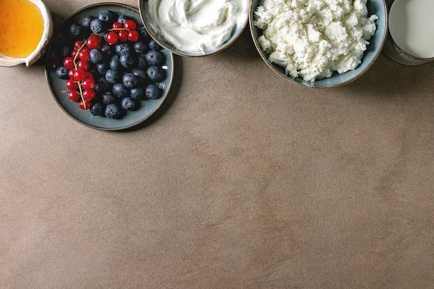 Produits laitiers au petit déjeuner Photo Premium