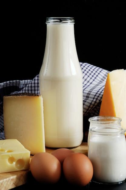 Produits laitiers lait, fromage et œufs Photo Premium