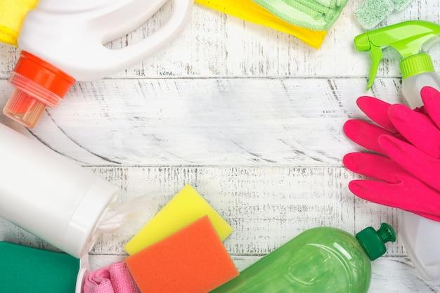Produits de nettoyage naturels bio biologiques. save the planet concept Photo Premium
