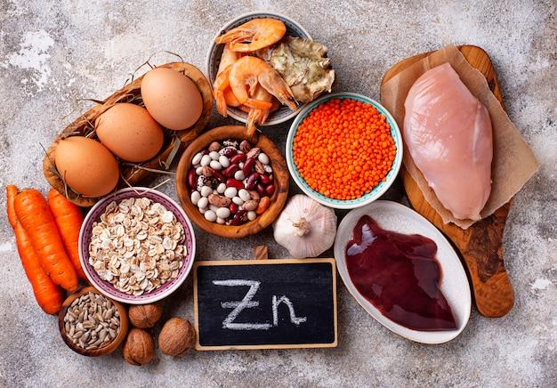 Produits sains contenant du zinc. Photo Premium