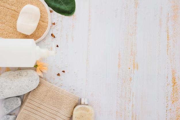 Produits de soin de la peau pour le nettoyage et la guérison Photo gratuit