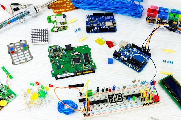 Programmation informatique microélectronique Photo Premium