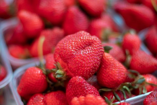 Punnet fraise fraîche Photo Premium