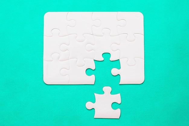 Puzzle avec pièce manquante Photo Premium