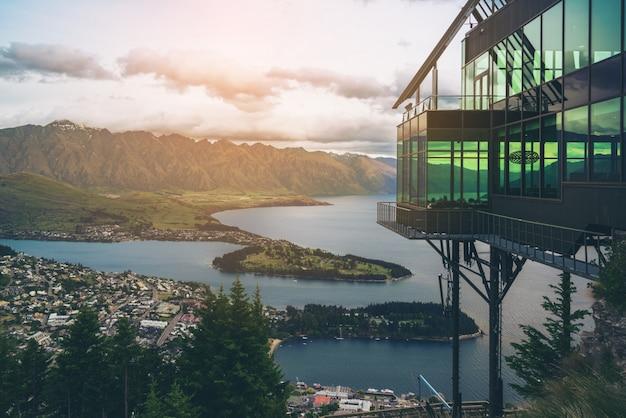 Queenstown, Nouvelle-zélande En Vue Panoramique. Photo Premium