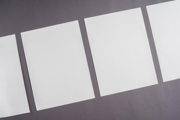 Rangée de feuille blanche vierge Photo gratuit