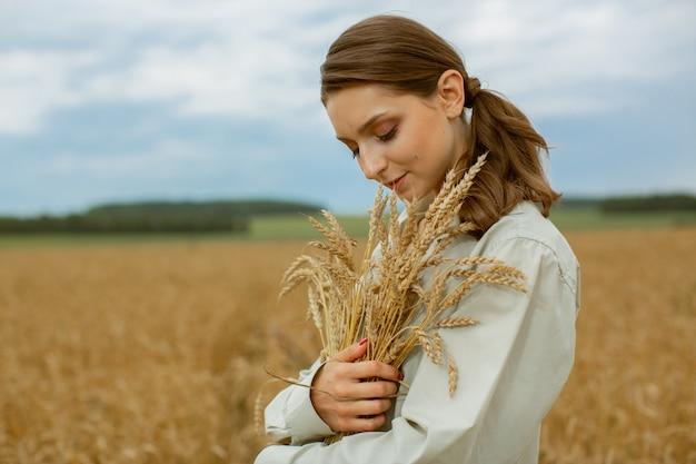 La Récolte Des Céréales. Photo Premium