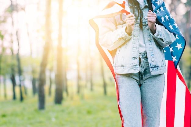 Récolte, femme, drapeau, usa, épaules Photo gratuit
