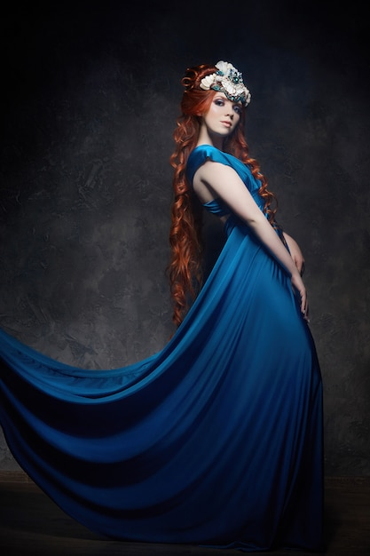 Regard fabuleux fille rousse Photo Premium