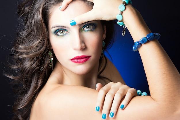 Regarder le visage désir glamour noir Photo gratuit