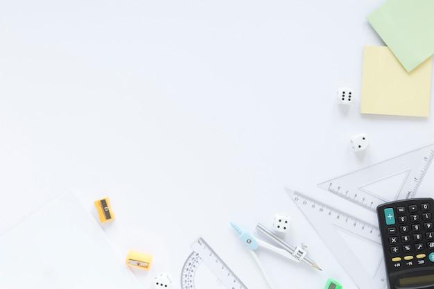 Les Règles Mathématiques Fournissent Un Espace De Copie Avec Des Articles De Papeterie Photo gratuit