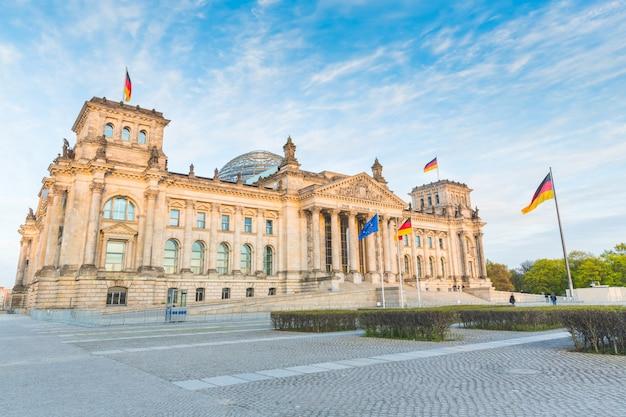 Reichstag allemand, le bâtiment du parlement à berlin Photo Premium