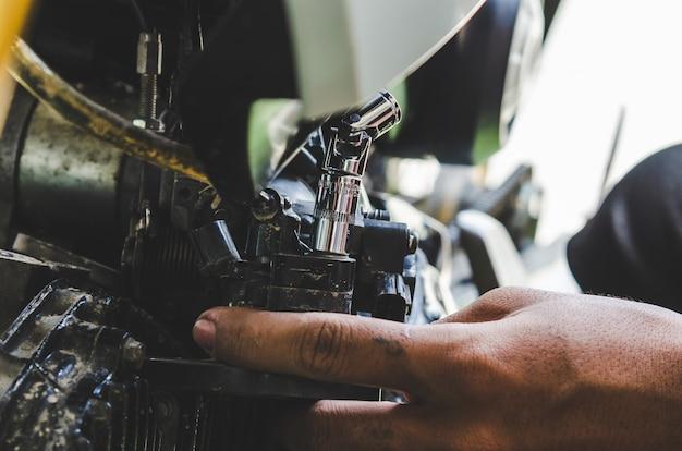 Réparation de moto Photo Premium