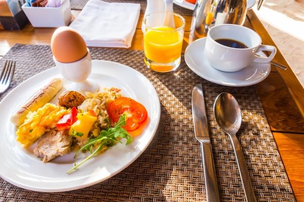 Repas au cholestérol repas à l'orange pomme de terre Photo gratuit