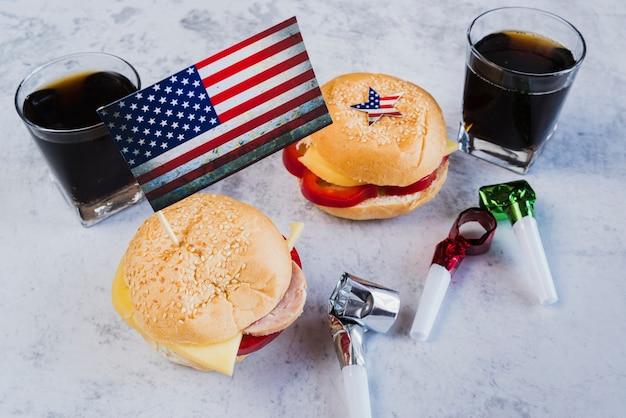 Repas De Fête Pour Le Jour De L'indépendance Photo gratuit