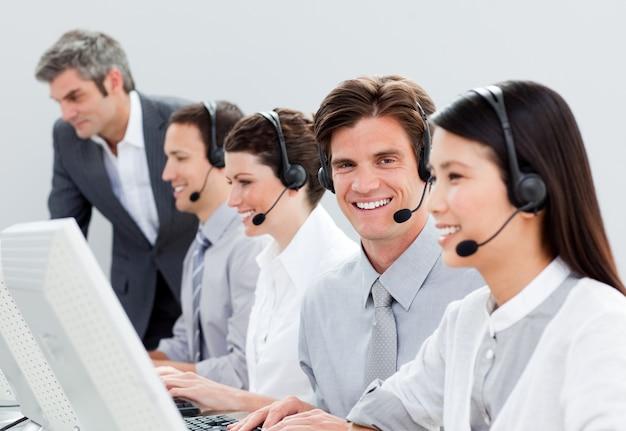 Des représentants du service à la clientèle assurés Photo Premium