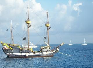 Reproduction de navire historique Photo gratuit