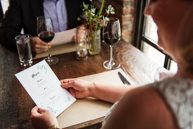 Restaurant chilling out style de vie réservé style réservé Photo gratuit