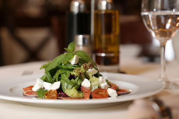Restaurant Avec Menu Délicieux Photo gratuit