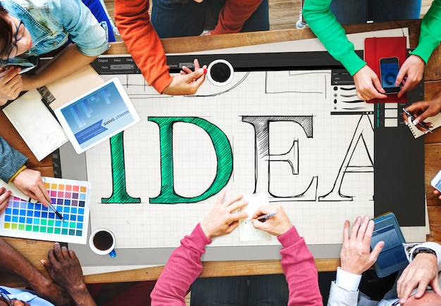 Réunion D'équipe Partageant Des Idées Ensemble Photo gratuit