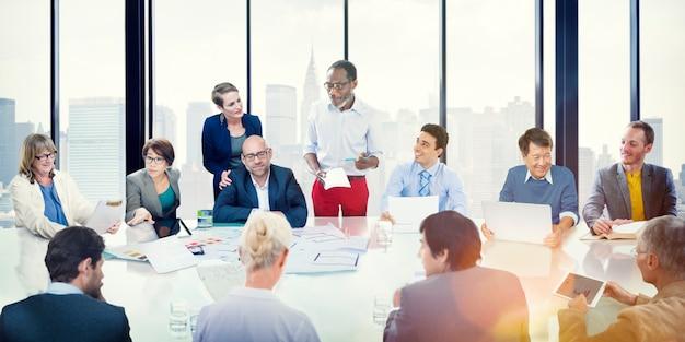 Réunion de gens d'affaires business presentation Photo Premium