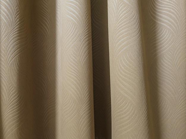 Rideau marron dans la chambre à coucher Photo Premium