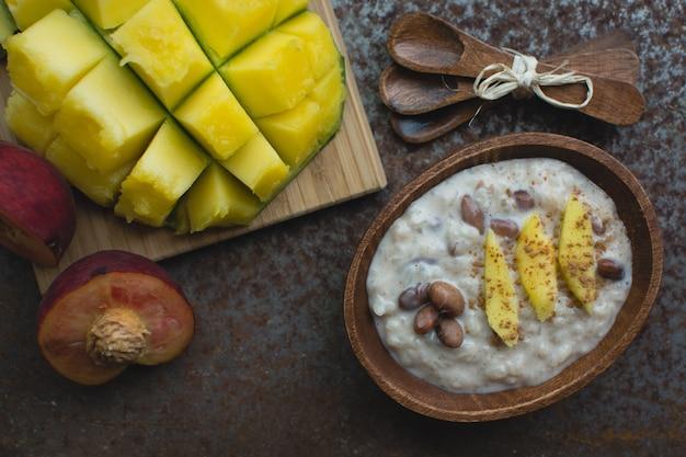 Riz à la mangue douce avec des haricots Photo gratuit