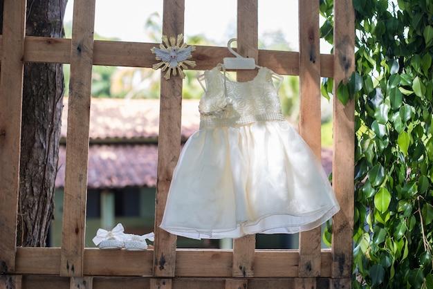 Robe bébé fille - baptême Photo Premium