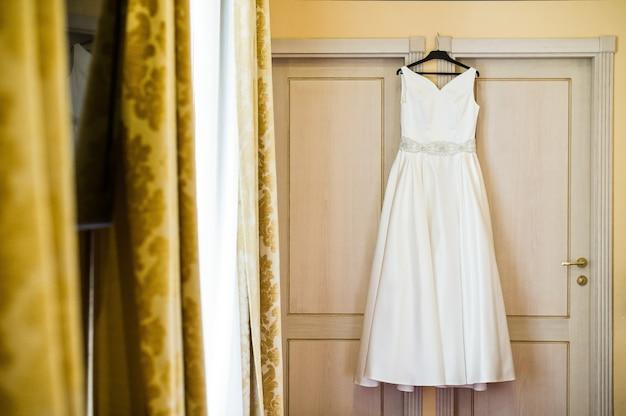 Robe de mariée élégante de la mariée Photo Premium