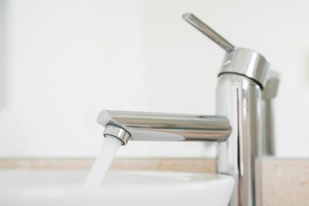 Robinet D'eau Ouvert | Photo Gratuite