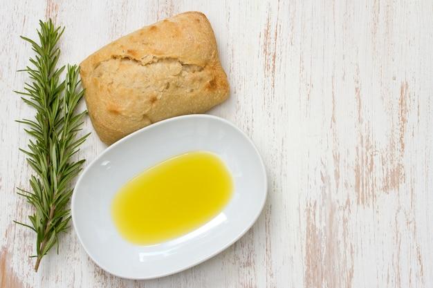 Romarin à l'huile et au pain Photo Premium