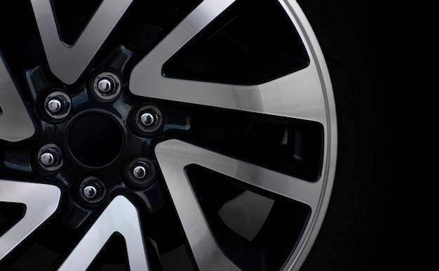 Roues de voiture en alliage closeup Photo Premium