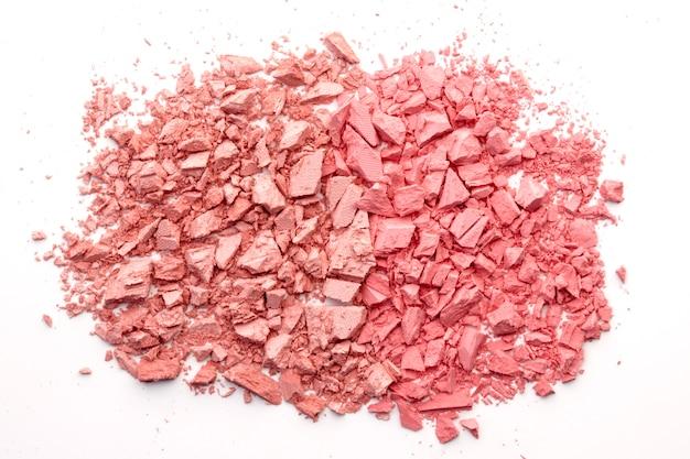 Rouge cassé, pouder, ombre à paupières isolé sur blanc. couleur corail tendance. duotone Photo Premium