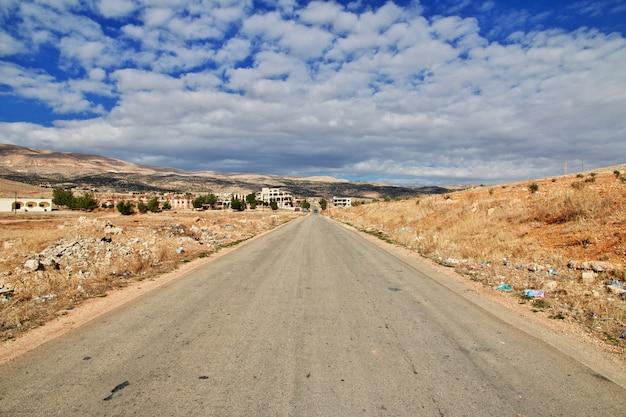 La Route Dans La Vallée De La Bekaa Au Liban Photo Premium